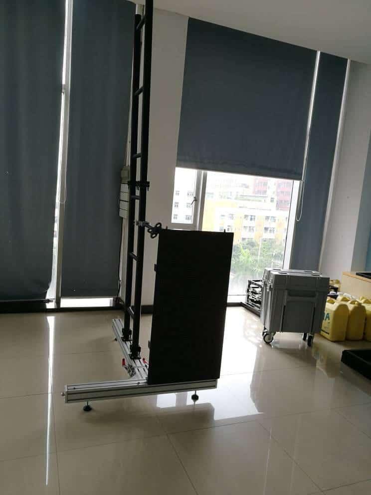 neue st nder f r die bl blc serien led wand verkauf und vermietung ledtek. Black Bedroom Furniture Sets. Home Design Ideas